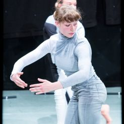 'Vantage Point' by Eleanor Tapper Dance Company, IYAF Kingston, 08/07/2018. Photo: Tangle Photography uk